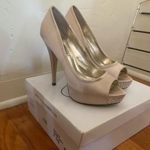 Steve Madden champagne heels